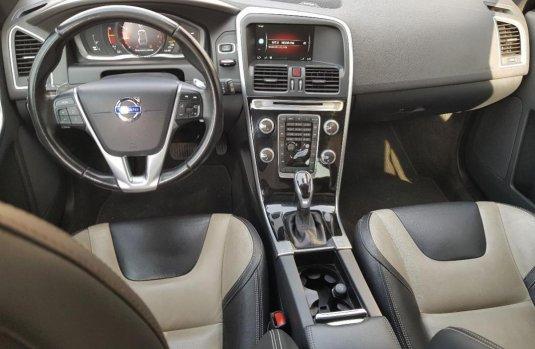 Vendo un carro Volvo XC60 2016 excelente, llámama para verlo