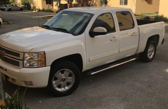 Chevrolet Cheyenne 2012 v8/5.3