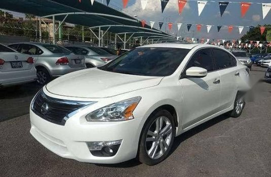 Vendo Un Carro Nissan Altima 2016 Excelente Llámama Para Verlo