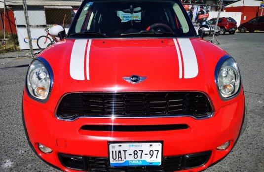 Vendo un carro MINI MINI 2011 excelente, llámama para verlo