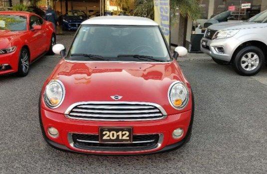 Me veo obligado vender mi carro MINI Cooper 2012 por cuestiones económicas