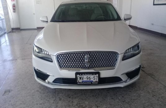 Vendo un Lincoln MKZ impecable