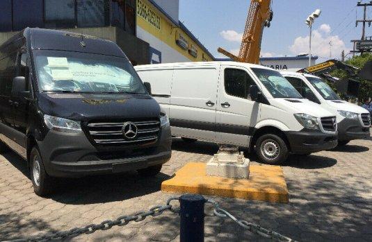 Vendo un Mercedes-Benz Sprinter en exelente estado