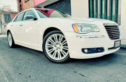 Precio de Chrysler 300 2012