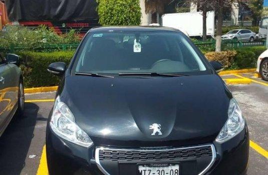 Vendo un Peugeot 208 por cuestiones económicas