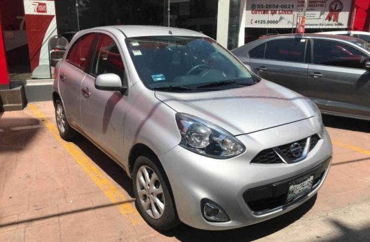 Vendo un Nissan March