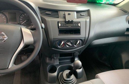 Nissan NP300 Doble Cabina impecable en Xochimilco más barato imposible