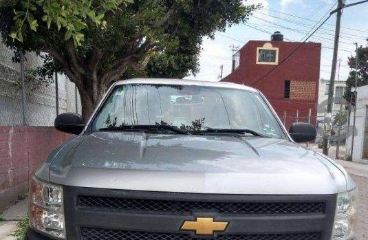 Carro Chevrolet Silverado 2013 en buen estadode único propietario en excelente estado