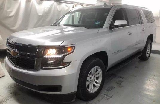Quiero vender inmediatamente mi auto Chevrolet Suburban 2018