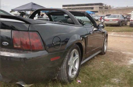 Quiero vender cuanto antes posible un Ford Mustang 1999