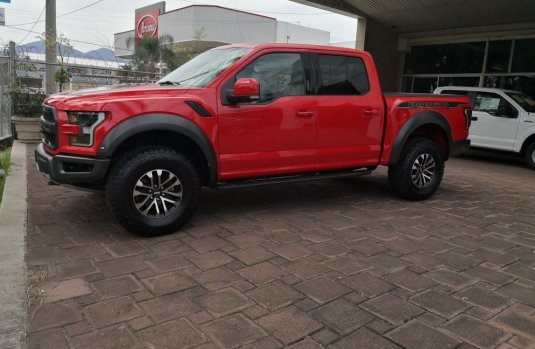 Un Ford Raptor 2019 impecable te está esperando