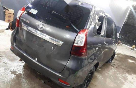 Quiero vender cuanto antes posible un Toyota Avanza 2016