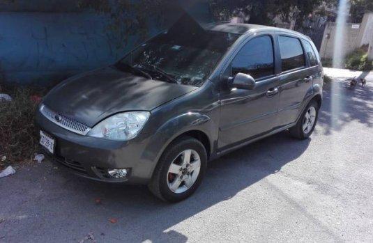 Quiero vender inmediatamente mi auto Ford Fiesta 2003 muy bien cuidado