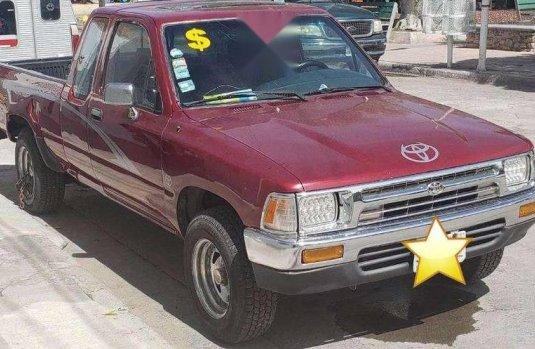 Pongo a la venta cuanto antes posible un Toyota Pick Up que tiene todos los documentos necesarios