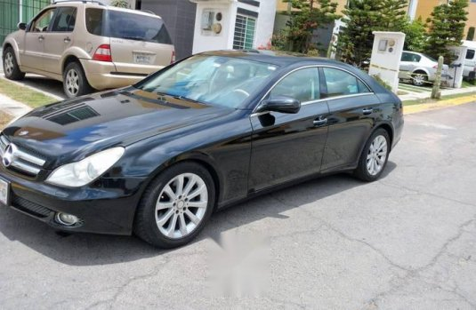 Pongo a la venta cuanto antes posible un Mercedes-Benz Clase CLS en excelente condicción