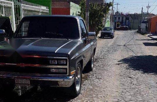 Vendo un carro Chevrolet Cheyenne 1986 excelente, llámama para verlo