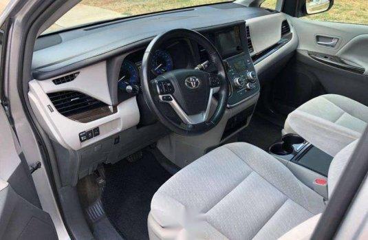 Toyota Sienna 3.5 Xle 2016
