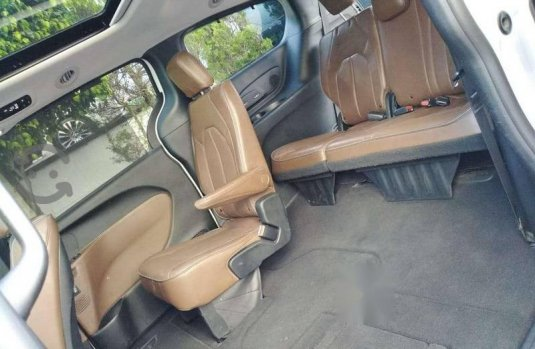 Chrysler pacifica limited platinum 2017