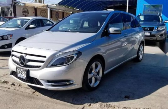 MERCEDES Clase B 180 2014 CGI Exclusive impecable