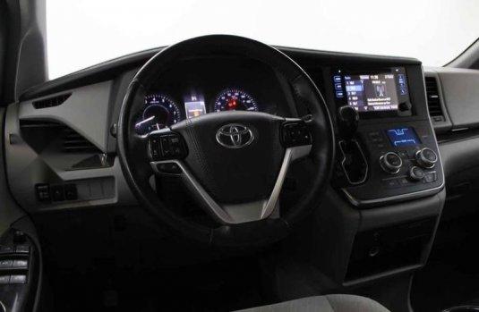 Toyota Sienna 2017 5p XLE V6/3.5 Aut