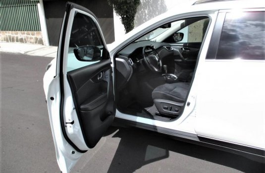 Nissan X-TRAIL Advance 7 Pas