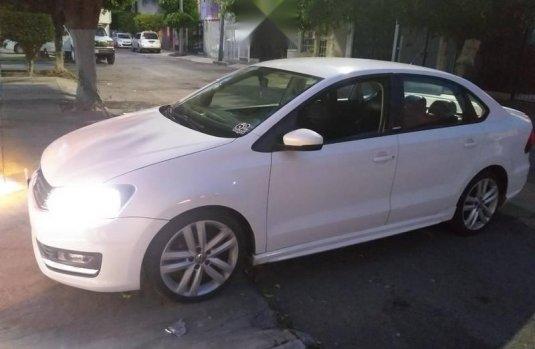 Volkswagen Vento confortline con extras