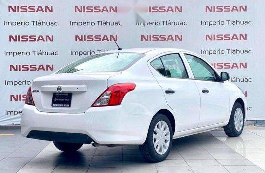 Nissan Versa drive estandar 2018
