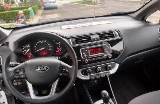 KIA rio 2017 sedan unico dueño