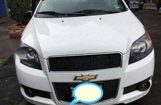 CHEVROLET AVEO blanco 4 puertas L4/1.6 R15