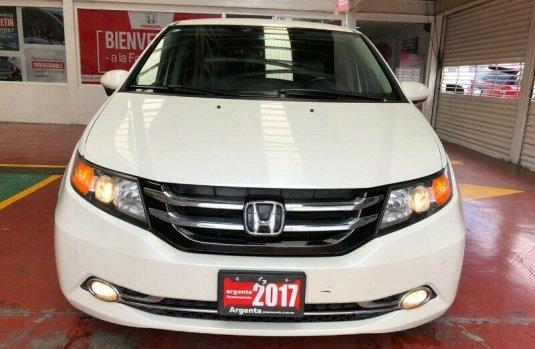 Honda Odyssey EXL 2017 Piel DVD Cámaras Lateral y Trasera, Puertas a Control Remoto, 8 Pasajeros V6