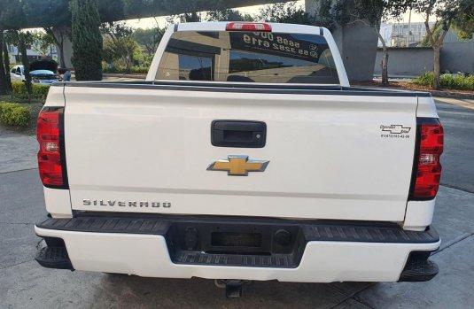 Pick Up Chevrolet Silverado 2500 Color Blanco