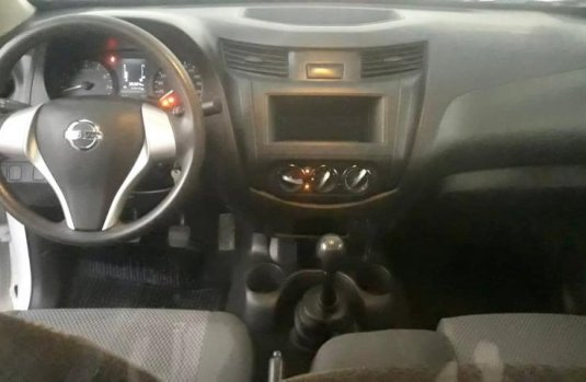 Nissan NP300 Chasis Cabina 2P L4/2.4 MAN D/H 2018