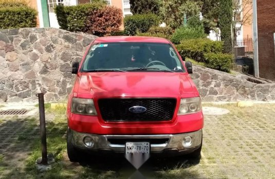 Ford Lobo impecable