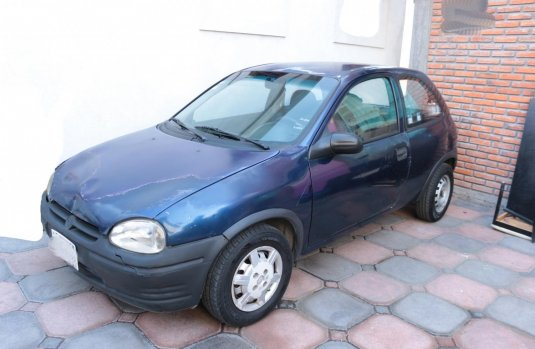 chevrolet Chevy azul hatchback