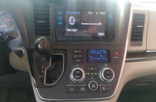 Toyota Sienna 2015 5p XLE V6/3.5 Aut Q/C Piel