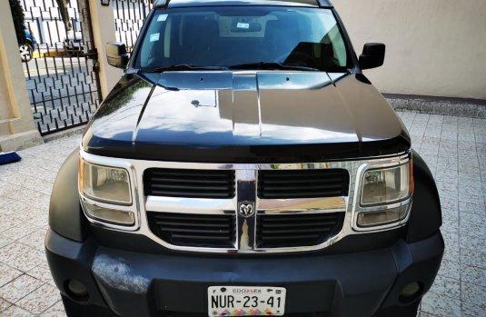 Dodge Nitro Negro