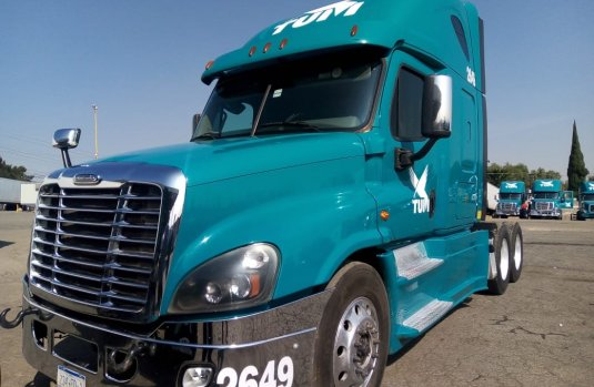 Tractocamion Freightliner Cascadia Raised Roof Modelo 2015