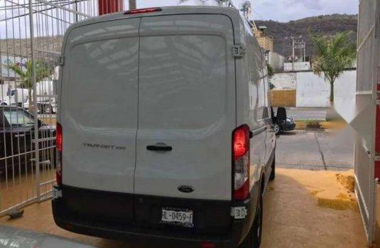2017 Ford Transit Van Mediano Techo Mediano