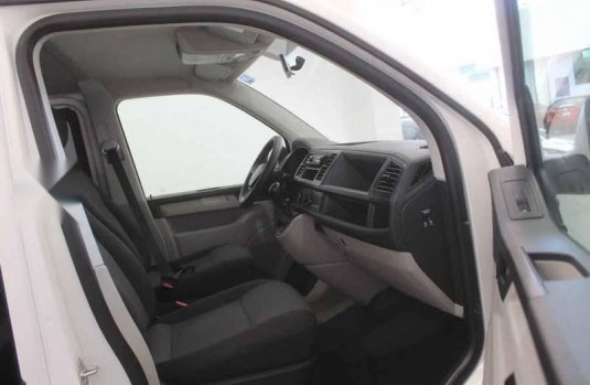 Volkswagen Transporter 2018 5p TDI L4/2.0/T Aut 9/