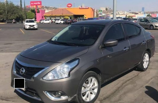 Nissan Versa Advance MT 2017