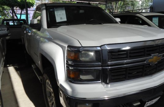 Chevrolet Cheyenne Pick Up