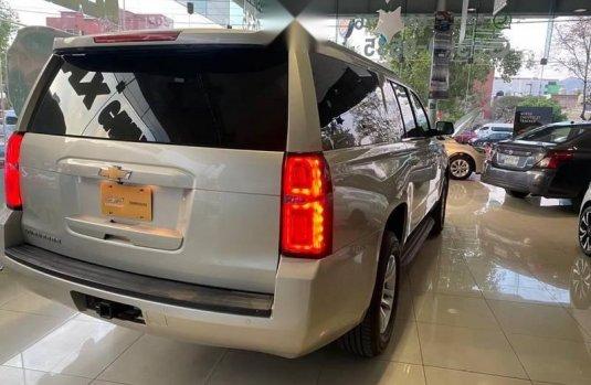 Chevrolet Suburban 2017 5.3 Lt Piel Cubo Mt