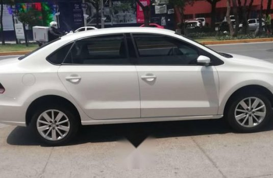 VW VENTO COMFORTLINE AT 2017 (EXELENTE)
