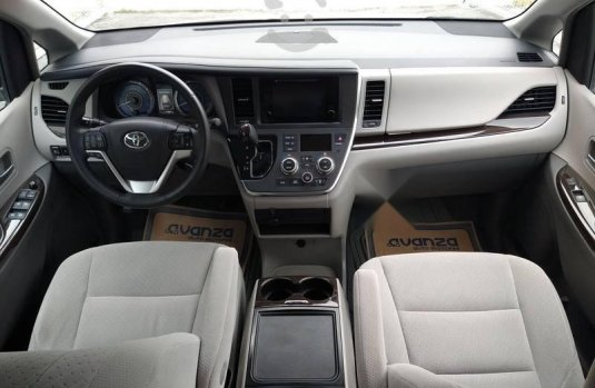 Toyota Sienna 2016 3.5 Le At