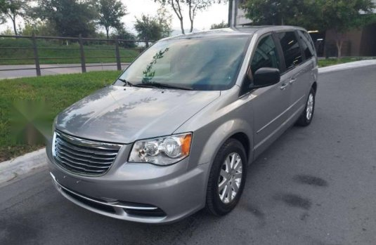 CHRYSLER TOWN CONTRY LX MOD 2013