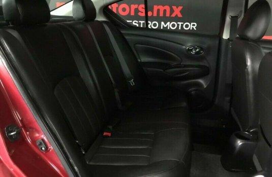 Nissan Versa Exclusive T/A 2018 Rojo $ 198,600