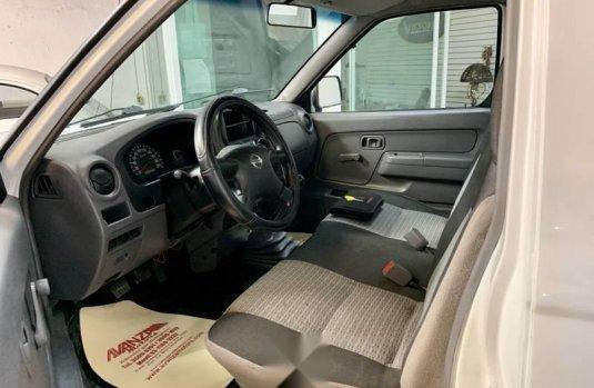 Nissan np300 estacas aire extremadamente nueva crd