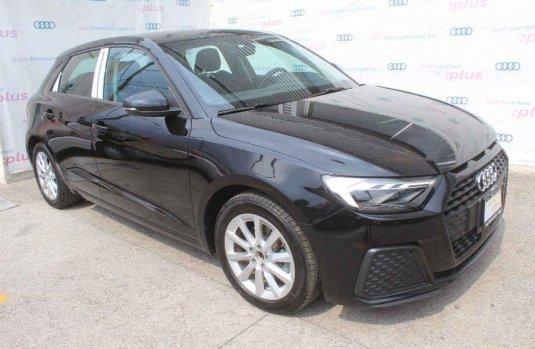 Pongo a la venta cuanto antes posible un Audi A1 en excelente condicción