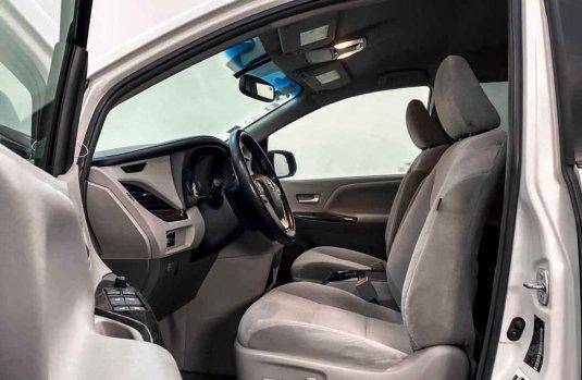 Toyota Sienna 2015 en buena condicción