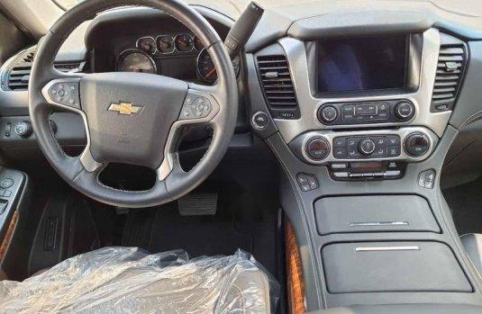 Chevrolet Suburban 2019 5p LT V8/5.3 Aut Piel 2